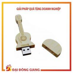USB thiết kế riêng hình chiếc đàn